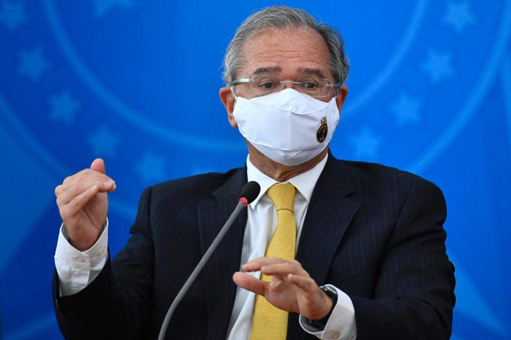 'Tem mais coisa vindo aí', afirma Paulo Guedes sobre medidas à pandemia da Covid-19